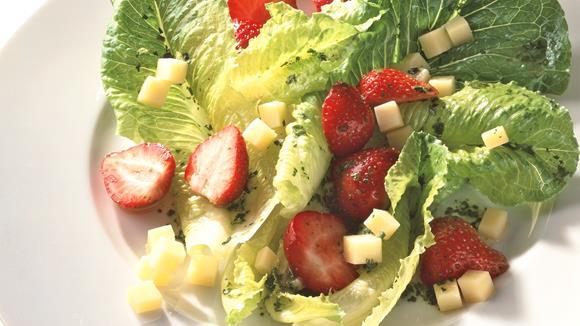 Lattich mit Erdbeeren