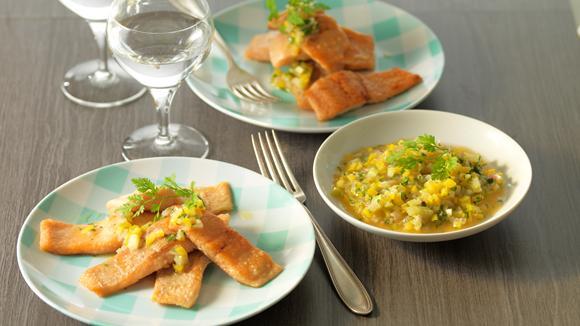 Lachsforellen-Filets an lauwarmer Gemüsevinaigrette