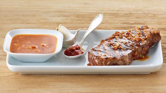 Asiatisches Sesam-Marinade mit Ingwer und Sambal Oelek für Rindfleisch