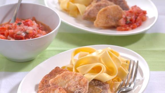 Basler Sellerie Schnitzel auf Tomatensauce Rezept