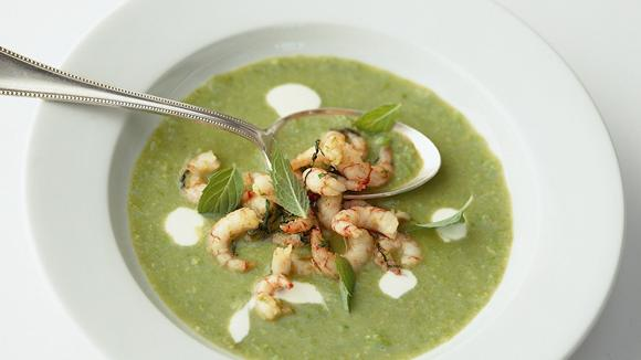 Asparagus soup with shrimps and peppermint recipe