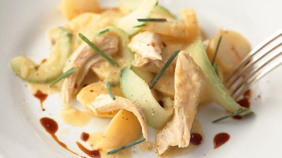 Poulet-Kartoffelsalat mit Kürbiskernöl