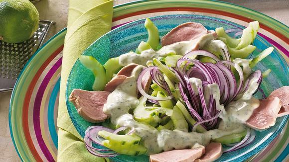 Gurkensalat mit Schweinefilet