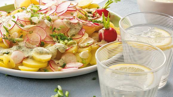 Kartoffelsalat mit Kefir-Senf-Dressing