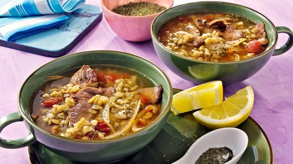 Tomaten-Zwiebel-Suppe mit Grünkern und Lamm