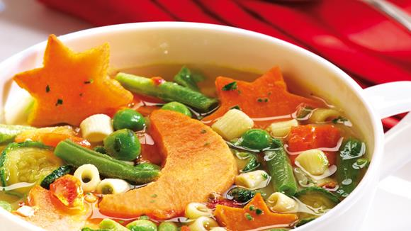 Gemüsesuppe mit Süßkartoffelmonden Rezept