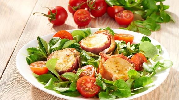 Blattsalat mit gebackenem Ziegenkäse Rezept