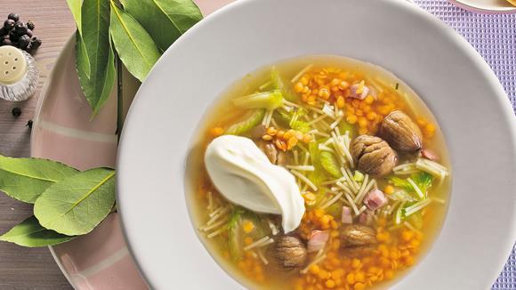 Linsen-Maronen-Suppe mit Wacholderbeeren Rezept
