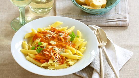 Penne mit Tomaten-Gorgonzola-Sauce
