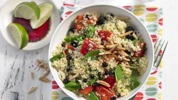 couscous salat mit zimtmandeln und korinthen rezept knorr. Black Bedroom Furniture Sets. Home Design Ideas