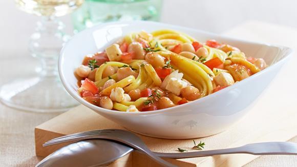 Tomaten-Bolognese mit weißen Bohnen Rezept