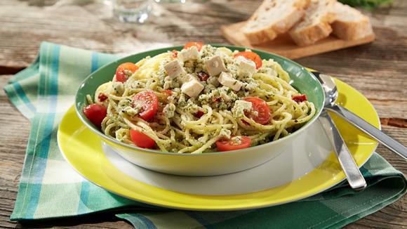 Würziger Spaghettisalat mit Schafkäse Rezept
