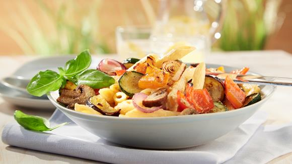 Nudelsalat mit gegrilltem Gemüse Rezept
