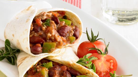 Tortillas mit Tomaten-Hackfleisch-Füllung