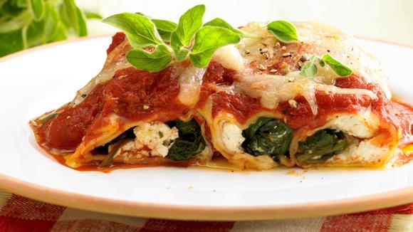 Spinatcannelloni in Tomatensauce