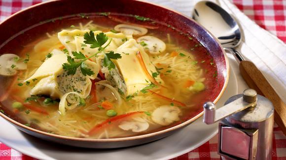 Maultaschen-Suppe mit Champignons Rezept