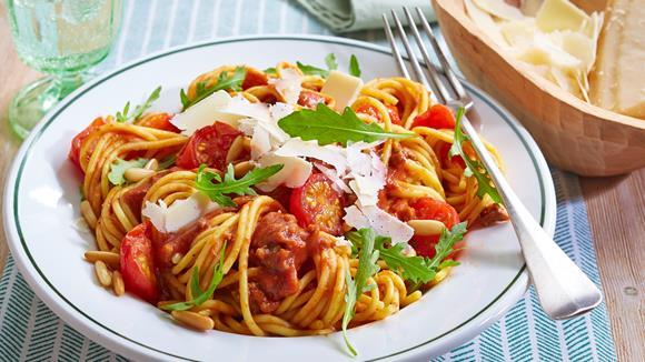 Spaghetti Bolognese mit Cherrytomaten und Rucola Rezept » Knorr