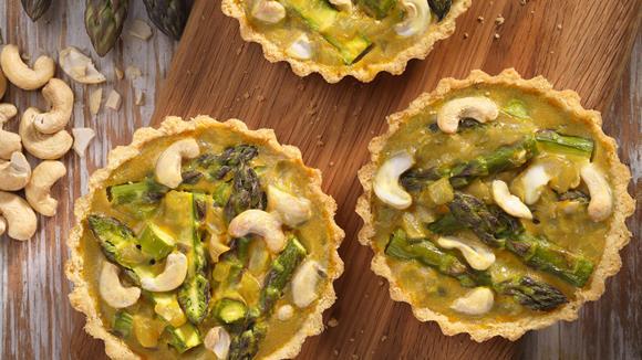 Vegane Mini Quiche mit Spargel Rezept