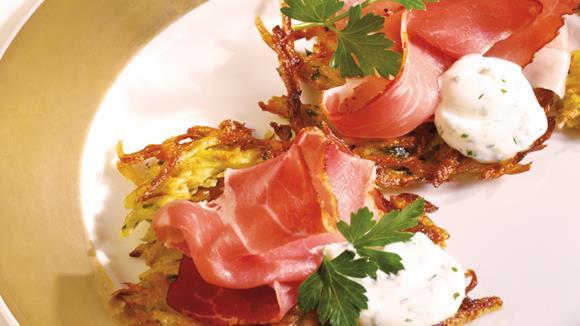 Kartoffel-Möhren-Rösti mit Kräuterdip
