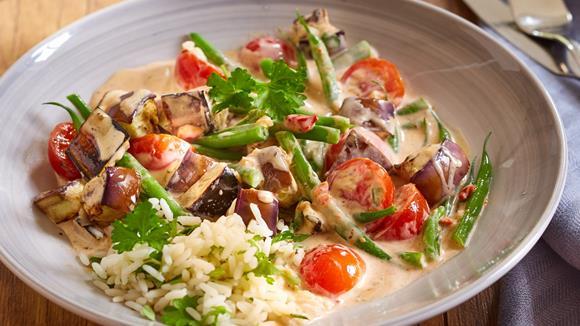 Gemüsepfanne mit Petersilien-Reis