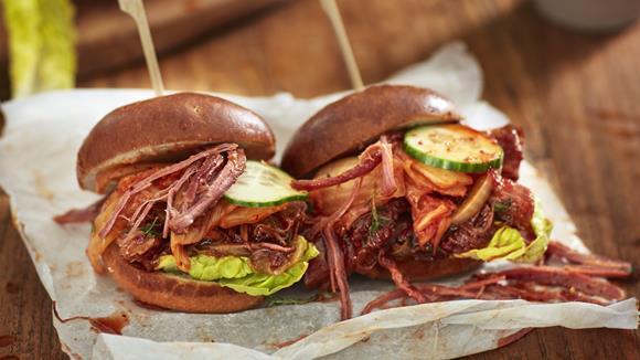 Asian Pulled Pork Burger Rezept