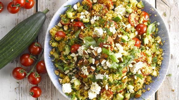 Couscous Salat mit Feta und Basilikum