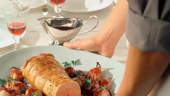 Lammrücken mit Rotweinzwiebeln Rezept