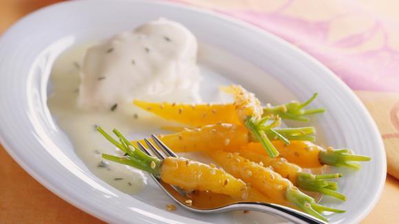 Sesam-Möhren mit Zitronen Butter Sauce