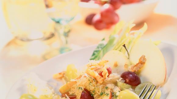 Sauerkraut-Trauben-Salat (Vitaminbombe)
