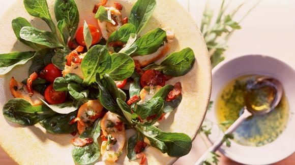 Feldsalat mit gebratener Hähnchenbrust Rezept