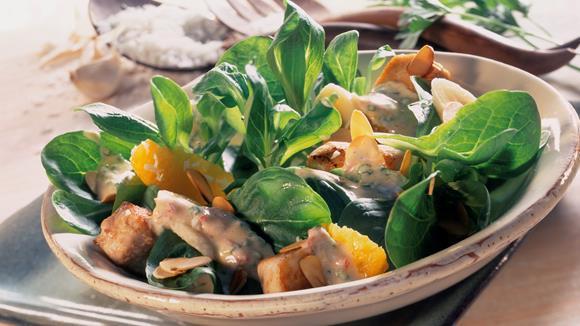 Fruchtiger Feldsalat mit gebratener Putenbrust Rezept