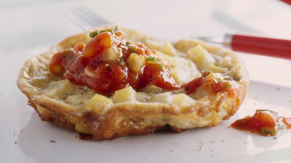 Kartoffel-Omeletts mit Tomatensalsa