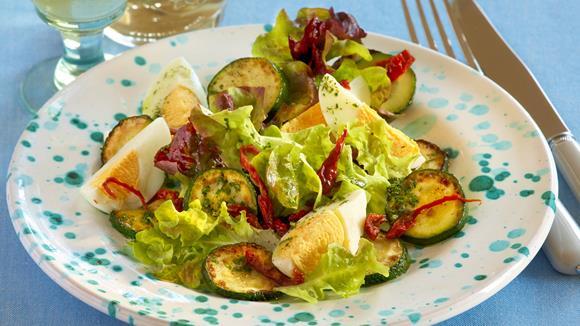 Eier-Zucchini-Salat Rezept