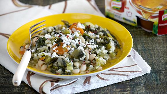 Φασόλια σούπα με σέσκουλα, λαχανικά και ρύζι