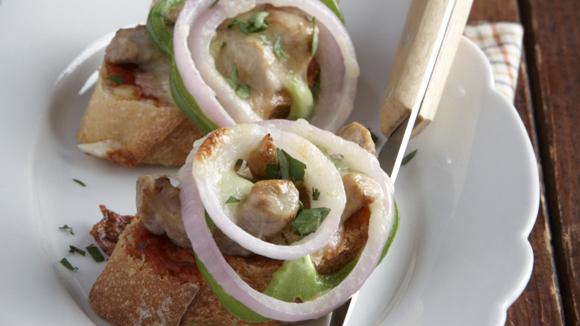 Μπρουσκέτες με χοιρινό και λαχανικά
