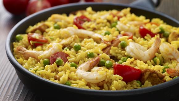 Εύκολη παέγια με κοτόπουλο και γαρίδες
