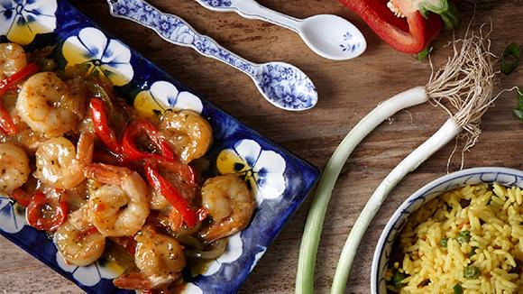 Γαρίδες με ρύζι, λαχανικά και σάλτσα καρύδας