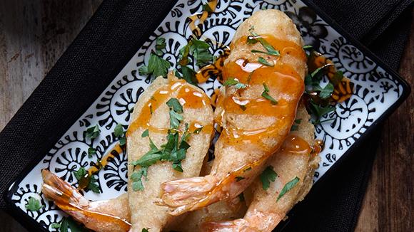 Γαρίδες τεμπούρα με σάλτσα sweet chilli