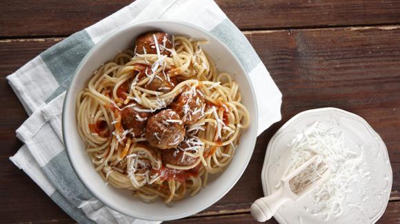 Ιταλικά κεφτεδάκια με σάλτσα και σπαγγέτι