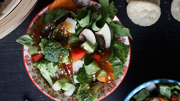 Κινέζικη σαλάτα  με σόγια και τζίντζερ