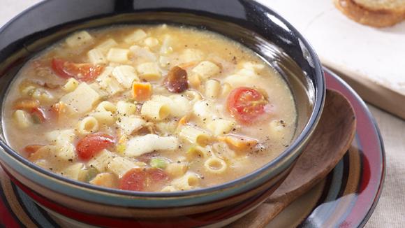 Μεσογειακή σούπα με μοτσαρέλα