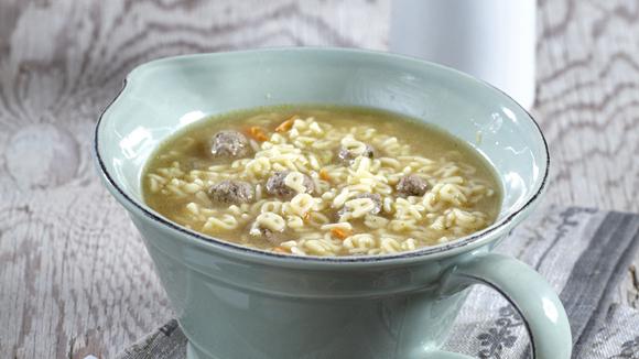 Παιδική σούπα με μικρά κεφτεδάκια & λαχανικά