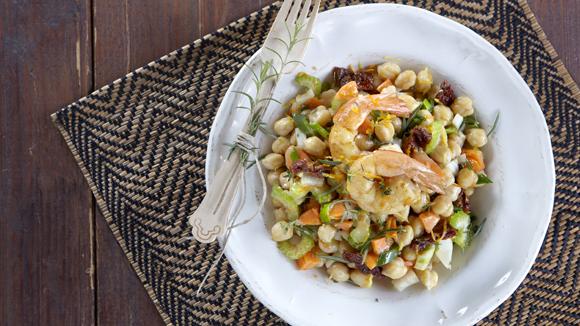 Ρεβύθια σαλάτα με θαλασσινά