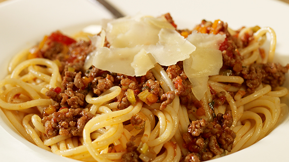 how to make simple pasta bolognese