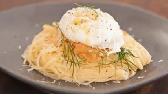 Angel hair pasta with salmon and lemon