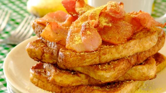 Easy Toast Mayai With Bacon