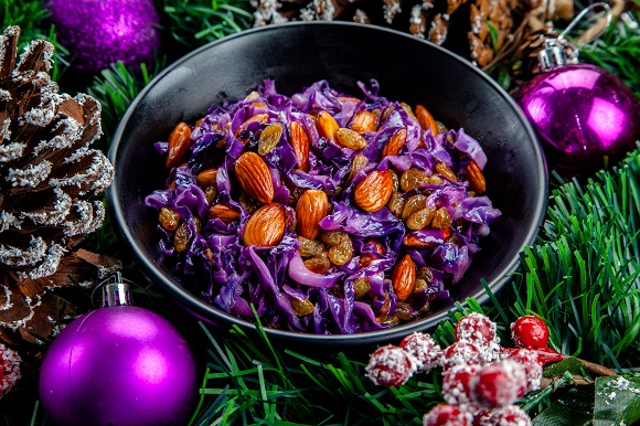 Honey glazed red cabbage with almonds and raisins