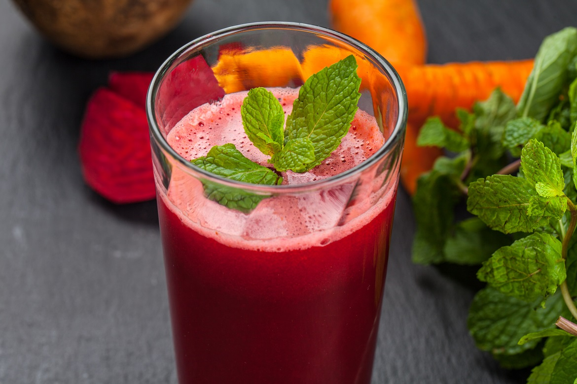 Carrot, beet and berry juice