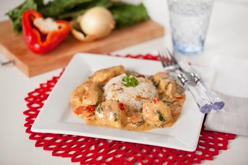 Chicken, paprika, tomato and pumpkin leaf stew