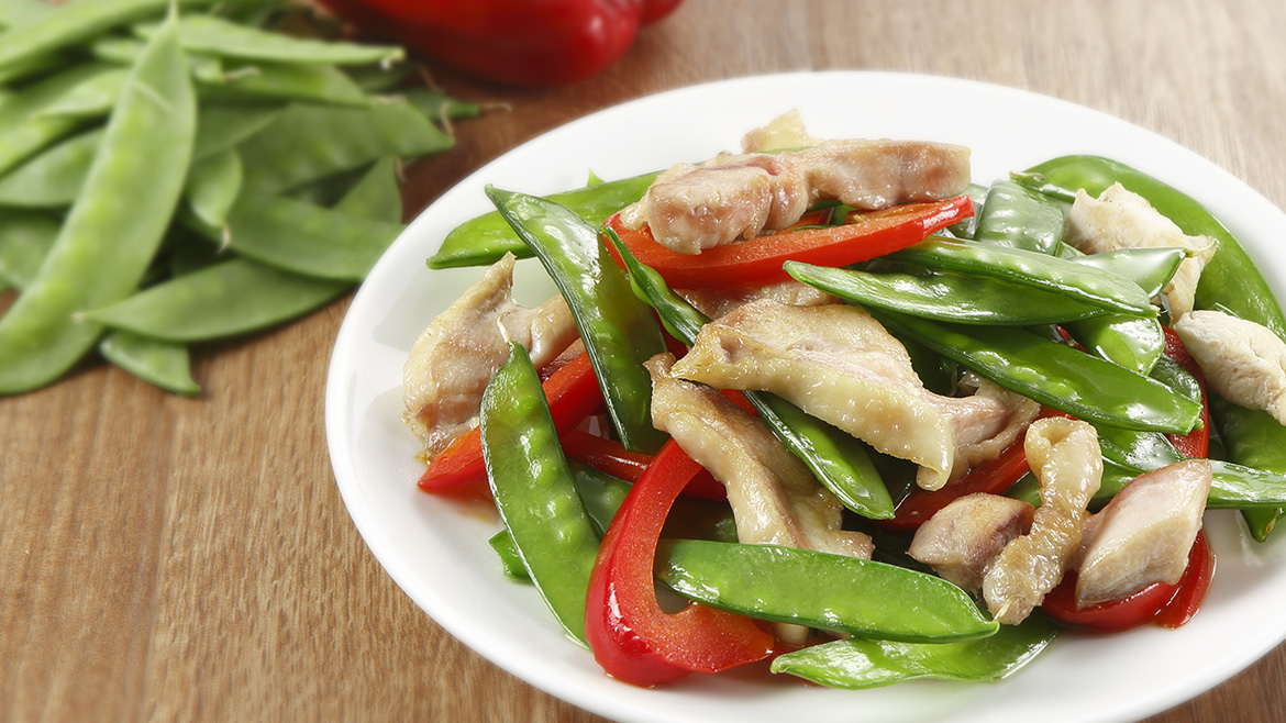 Stir Fried Chicken With Snow Peas